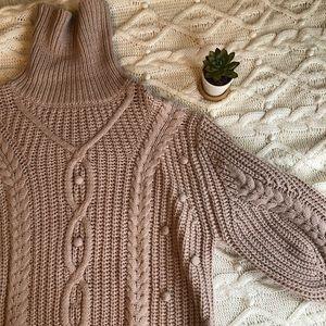 ✨NWOT Beautiful Chunky Sweater